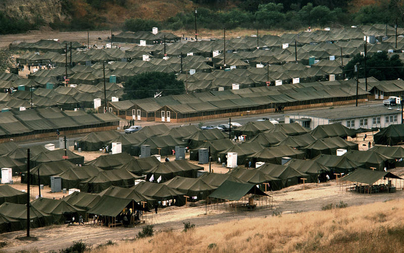 Vietnamese refugees began new lives in Camp Pendleton's 1975 'tent city' -  Los Angeles Times